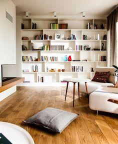nice built in shelves
