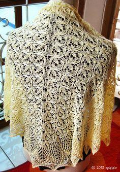 echo flowers shawl in pale yellow Needlework, Shawl, Knit Crochet, Blanket, Yellow, Knitting, Flowers, Crafts, Tops