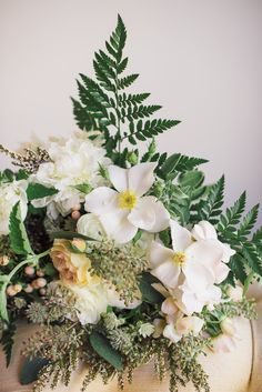 fresh white & gold wedding florals | image via: 100 layer cake