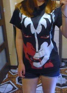 Kup mój przedmiot na #vintedpl http://www.vinted.pl/odziez-meska/koszulki-z-krotkim-rekawem-t-shirty/14007184-czarna-meska-koszulka-kiss-rozmiar-s
