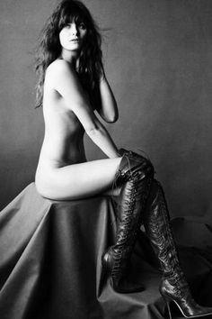 Isabeli Fontana posa nua para revista de beleza