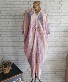 Kaftan Batik, Batik Kebaya, Kebaya Dress, Blouse Batik, Batik Dress, Caftan Dress, Batik Fashion, Ethnic Fashion, Hijab Fashion
