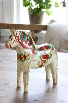 Dala Horse – The Wooden Horses of Sweden