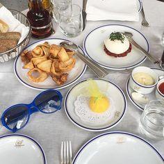 Lunch 🍴#italianfood #mozarella #calamari #familytime #Cipriani @ciprianimexico #moalmada