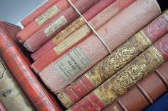 i love vintage books. what more when they are in pink! Vignette idea - color blocking.
