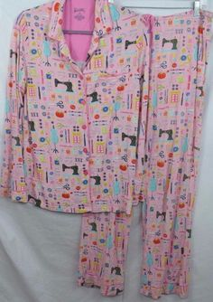 Nick Nora Pajamas Set Medium Soft Pink Crafts Seamstress Sewing Notions  Buttons  NickNora  PajamaSets 7bead0e35
