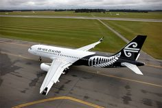 The Airbus A320 in the the new Air New Zealand white livery features a black tail with the distinctive New Zealand Fern Mark in contrasting white. #AirNewZealand #AirNZ #AirNZLivery #Planes