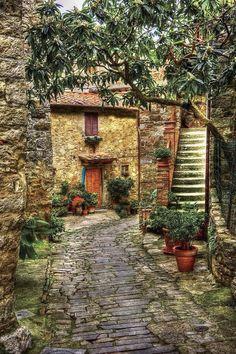 beautiful house in Chianti, Tuscany, Italy (via La Toscana)