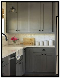 Amazing Farmhouse Kitchen Cabinets Makeover Design Ideas - Page 51 of 77 Refacing Kitchen Cabinets, Farmhouse Kitchen Cabinets, Kitchen Cabinet Colors, Repainting Kitchen Cabinets, Kraftmaid Cabinets, Cabinets To Ceiling, Kitchen Floors, Cabinet Refacing, Upper Cabinets