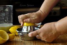 Tarta de lămâie cu bezea, rețeta delicioasă de desert răcoritor Coffee Maker, Rings For Men, Pies, Coffee Maker Machine, Coffee Percolator, Men Rings, Coffee Making Machine, Coffeemaker, Espresso Maker