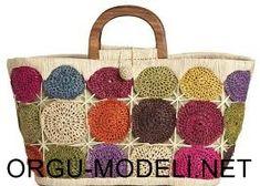 Beach Bound: Raffia and Straw Bags for Your Next Summer Get Crochet Handbags, Crochet Purses, Crochet Bags, Crochet Circles, Crochet Motif, Knitted Bags, Handmade Bags, Crochet Projects, Straw Bag