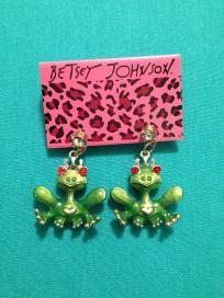 New Betsey Johnson Love Frogs Earrings