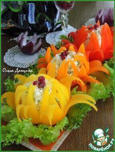 New fruit salad decoration food art fun ideas Fruit Decoration For Party, Food Decoration, Deco Fruit, Veggie Platters, Creative Food Art, Food Garnishes, Garnishing, Vegetable Carving, Food Carving