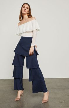 Pinstripe Tiered Wide-Leg Pant Spring Wear, Spring Outfits, Spring Style, Pinstripe Suit, Fashion Pants, Ad Fashion, Wide Leg Pants, Fashion Forward, Spring Fashion