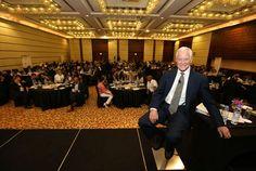 Excelente reportaje sin desperdicio que le hizo Neil Reyy fue publicado en la revista Arabian Business.