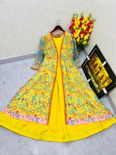 Saris, Lehenga Choli Latest, Anarkali Gown, Dress Indian Style, Silk Gown, Saree Blouse Designs, Indian Fashion, Gowns, Summer Dresses