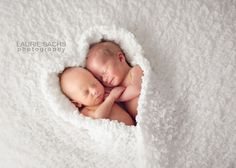 I think this is one of the cutest twin newborn photos I've ever seen!