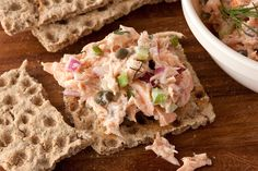 Make a dilled salmon salad recipe for a quick, easy, and healthy starter dish reminiscent of fancy tea sandwiches. This salmon salad recipe has flaked salmon. New Years Appetizers, Healthy Appetizers, Healthy Foods, Healthy Eating, Healthy Salads, Clean Eating, Healthy Recipes, Agaves, Quinoa