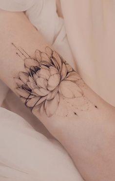 Rose Tattoos For Women, Hip Tattoos Women, Shoulder Tattoos For Women, Sleeve Tattoos For Women, Couples Hand Tattoos, Small Couple Tattoos, Small Tattoos, Lila Tattoo, Hart Tattoo