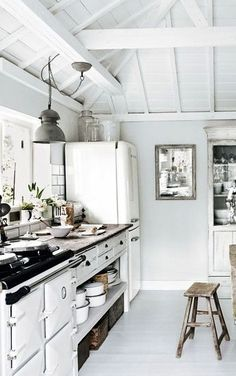 Rustic and industrial home - via Coco Lapine Design
