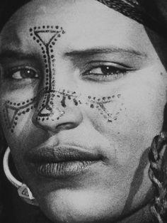 Africa | Tuareg woman, Algeria | Woth Zizou, via flickr