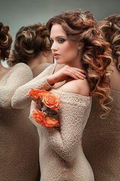 Perfect Curly...  http://www.sacsekillerimodelleri.org/2014/02/en-guzelyeni-abiye-kadn-sac-modelleri.html