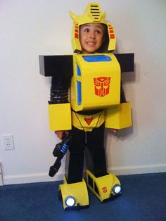 G1 Transformers - Bumblebee Costume : Assemble and walk out!