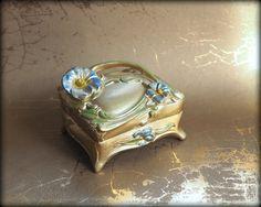 Antique Gold Ring Box Wedding Ring Box Vintage by gradyladies & Antique Ring Box - Wedding Ring Box - Vintage Art Nouveau Ormolu ... Aboutintivar.Com
