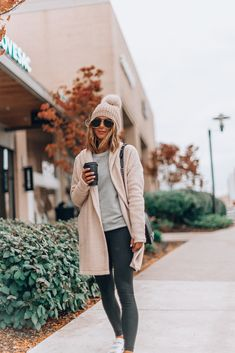 Mix-and-Match Cold Weather Wardrobe Must-Haves Winter Maternity Outfits, Winter Outfits Women, Winter Outfits For Work, Pregnancy Outfits, Winter Fashion Outfits, Cool Outfits, Autumn Fashion, Casual Outfits, Winter Clothes
