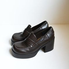 e79d1cd6234 Vintage 90s Chunky Heel Shoes Mudd Dark Brown Rave Club Kid Grunge ...