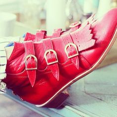 red buckles