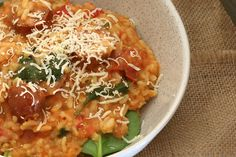 This Thermomix Chorizo, Tomato & Baby Spinach Risotto is the perfect weeknight meal. It's fast, fresh and packed full of flavour! Devilled Sausages Recipes, Sausage Recipes, Cooking Recipes, Meal Recipes, Chorizo Risotto, Spinach Risotto, Tomato Relish, Baby Spinach, Weeknight Meals