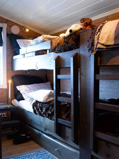 Bunk Rooms, Bedrooms, Bunk Beds, Loft Bed Plans, Simply Home, Cabin Interiors, Cabins And Cottages, Winter House, Log Homes