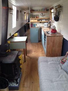 Creative & Cozy Caravan/RV/Boat Interior Design Ideas - napier news Narrowboat Kitchen, Narrowboat Interiors, Barge Interior, Interior Design, Interior Ideas, Canal Boat Interior, Boho Chic, Canal Barge, Brown Kitchens