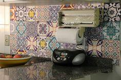 Mosaico de azulejos, simples detalhe que fez a diferença no ambiente. SOADESIVOS