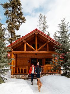 The best cozy cabins in Alberta to keep you warm all winter long Romantic Cabin Getaway, Getaway Cabins, Romantic Getaways, Log Cabin Homes, Log Cabins, Lake George Village, Summer Vacation Spots, Fun Winter Activities, Romantic Places
