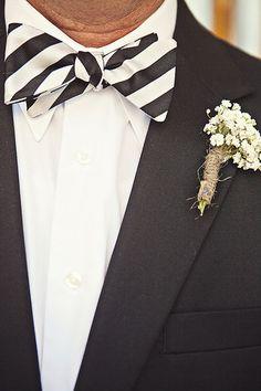 Black + White Striped #Bowtie I Christina Karst Photography I #groom #groomstyle Marcos Limoli { Linkedin } Matrimônios Ecumênicos.