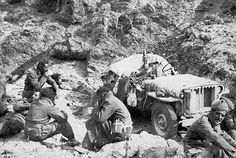 The Long Range Desert Group (LRDG) was a highly successful group of specialist soldiers who caused chaos for Britain's enemies in North Africa during the Second World War. Tyre Tracks, Pilot Car, Group Action, Special Air Service, Lawrence Of Arabia, Afrika Korps, Old Images, North Africa, Special Forces