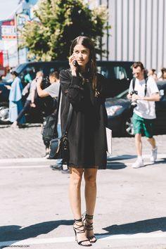 New_York_Fashion_Week-Spring_Summer-2016-Street-Style-Amanda_Weiner-Total_BLack-LAce_Up_Sandals-1