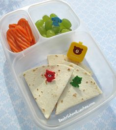 Quick and Simple Quesadilla bento lunch packed in Kids Packed Lunch, Kids Lunch For School, School Lunches, Easy Lunch Boxes, Bento Box Lunch, Lunch Snacks, Toddler Meals, Kids Meals, Non Sandwich Lunches