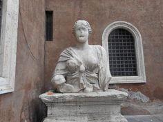 Ci passiamo davanti ogni giorno ma nessuno conosce la sua storia: La statua parlante di Madama Lucrezia in Piazza Navona.  Il Blog di Fabrizio Falconi: Ci passiamo davanti ogni giorno ma nessuno conosce...
