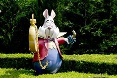 Disneyland Paris, 20 Anniversary. More on www.pursesandi.net #disney #disneyland #disneylandparis #fantasy #happy #pursesandi #minnie #paris #parigi #love #polkadots #lauracomolli #thewhiterabbit #aliceinwonderland #alicenelpaesedellemeraviglie #waltdisney #bianconiglio