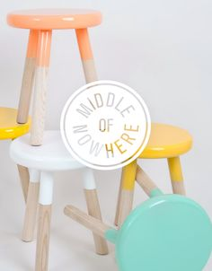 middle of nowhere // redesign by mildred duck PLAYROOM: redo stools and table top with chalkboard paint Upcycled Furniture, Furniture Projects, Kids Furniture, Luxury Furniture, Furniture Design, Diy Projects, Furniture Showroom, Furniture Market, Furniture Removal