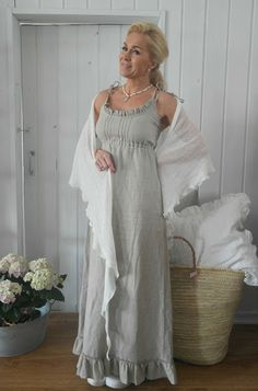 BY PIA`S: THE MOST BEAUTIFUL LINEN DRESSES - EVER