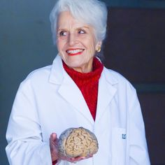 Marian Diamond was the first female grad student in anatomy at UC Berkeley in 1948.