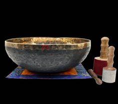 Klankschaal Ishana zwart/goud - 49 cm - 10.400-10.600 g - online