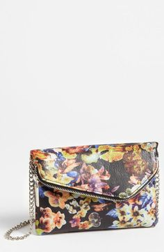 Perfect little floral crossbody bag!