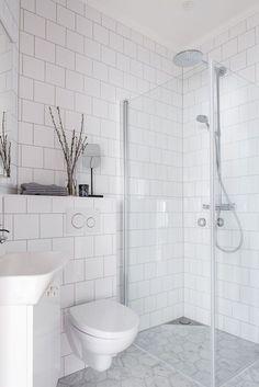 Home Decor Ideas Curtains Awesome Bathroom Shower Remodel Ideas Decor Ideas Curtains Awesome Bathroom Shower Remodel Ideas Bad Inspiration, Bathroom Inspiration, Bathroom Ideas, Bathroom Organization, Bath Ideas, Bathroom Storage, Bathroom Trends, Bathroom Inspo, Bathroom Styling