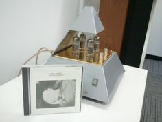 pyramid-shaped vacuum tube amplifier