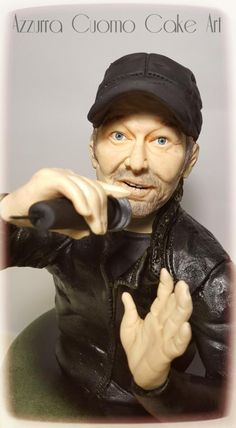 Vasco Rossi  themed cake 2.0 _ by Azzurra Cuomo Cake Art